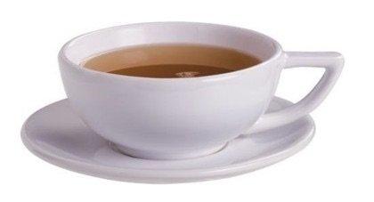 Zestaw do herbaty Richmont. Czarną herbatę najlepiej jest pić w białych, porcelanowych filiżankach. Wówczas poza aromatem i smakiem można docenić szlachetny kolor naparu podkreślony przez naczynie.•Foto: sklep.richmont.pl