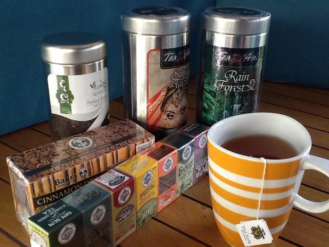 Herbaty cejlońskie. Najlepiej kupować herbaty zbierane, przetwarzane i pakowane na miejscu. Zachowują wówczas najwięcej aromatów•Foto: D. Jaworska