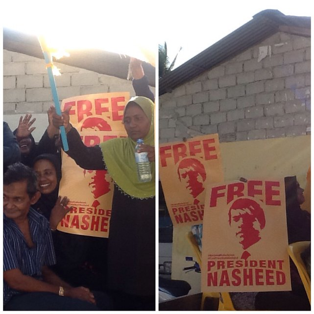 """""""Uwolnić Prezydenta Nasheeda,"""" - pokojowe wiece w sprawie uwolnienia byłego prezydenta Malediwów, tego dnia odbywały się na w wielu miasteczkach i wioskach Malediwów•Foto: D. Jaworska"""