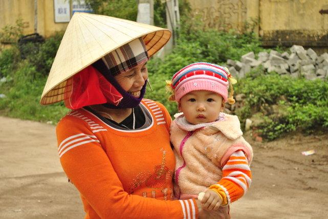 Mieszkańcy na wyspie Đảo Tuần Châu, Wietnam•foto: D. Jaworska