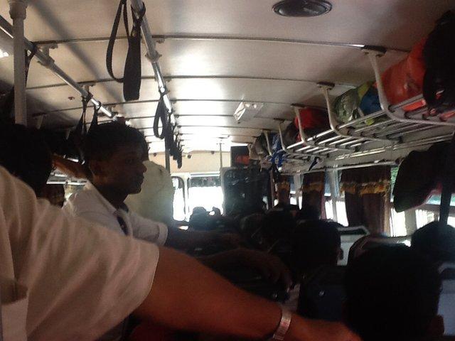 Autobus z Kandy do Sigirija, Sri Lanka•Foto: D. Jaworska