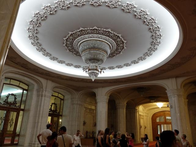 Bukareszt, Dom Ludu, wnętrza•foto: P. Jaworski