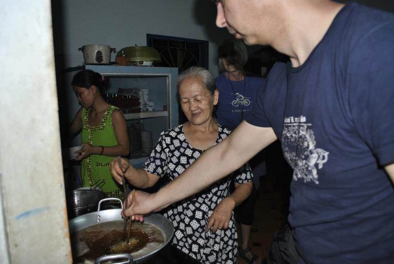 Cooking Class - smażenie sajgonek. Wietnam. Foto: D. Jaworska
