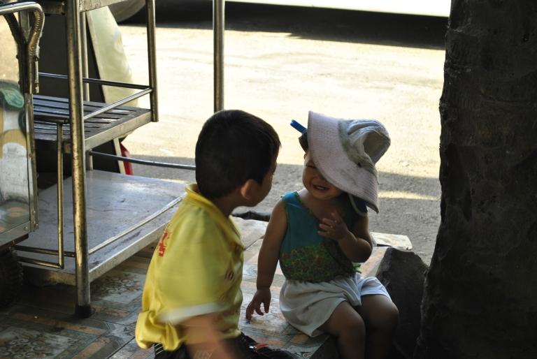 Dzieci Gazeciarki. wietnam. Foto: D. Jaworska