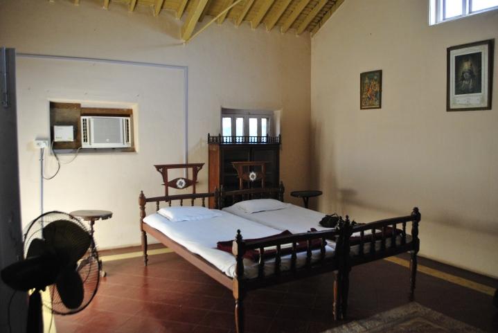Vijay Vilas Palace, Palitana - wnetrza: sypialnia•Foto: D. Jaworska