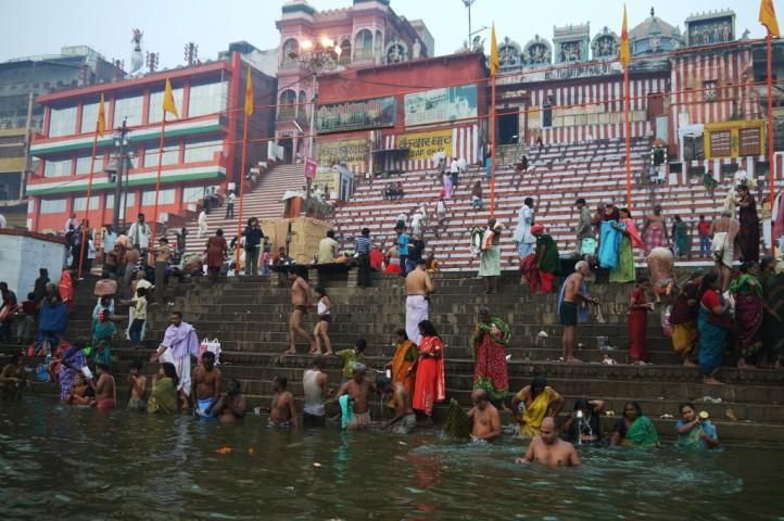 Święte Ghaty w Waranasi. Foto: www.globtroter.pl